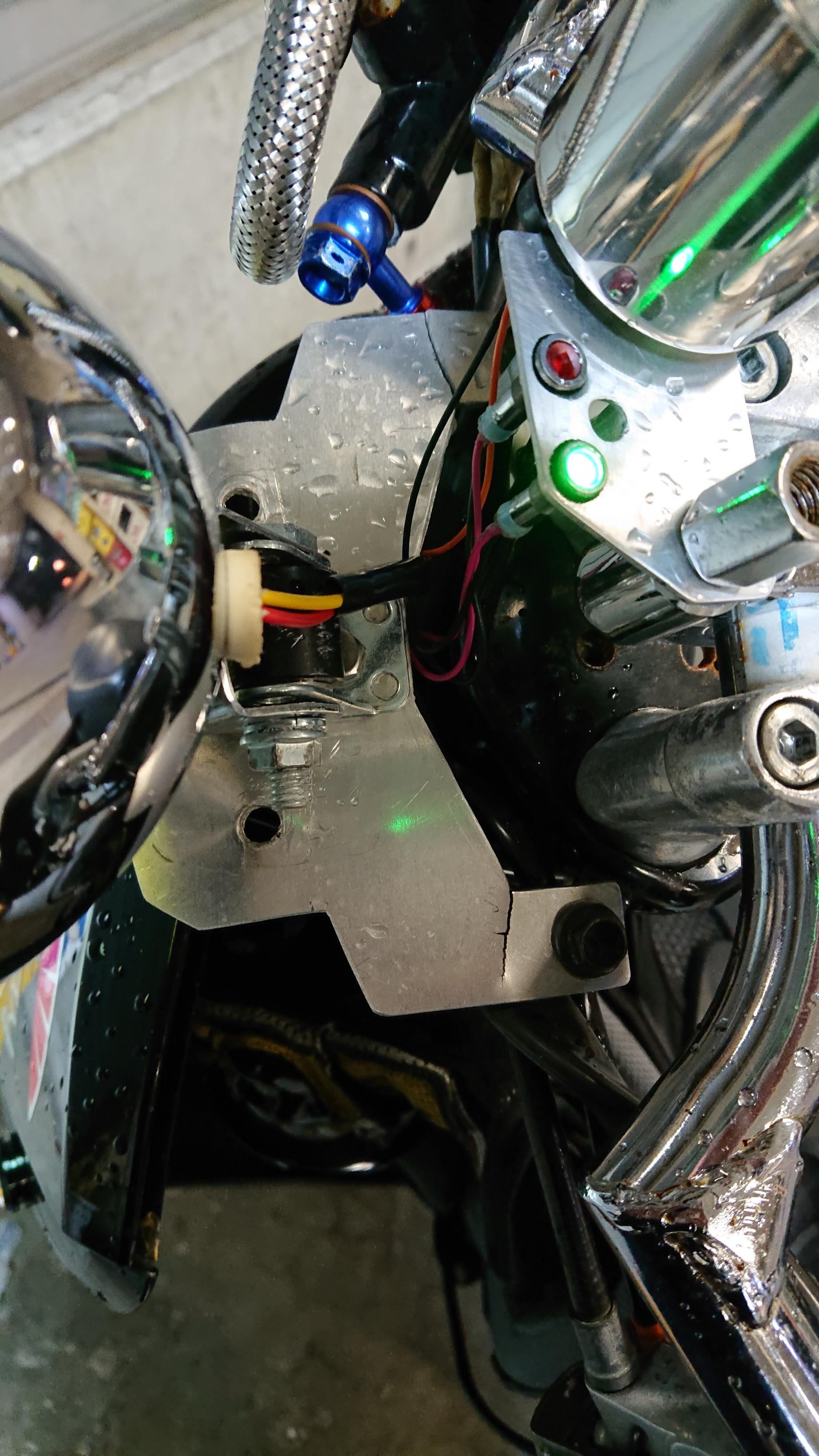 AF61トゥデイ!LEDベーツライトでカフェレーサー仕様にできるのか?
