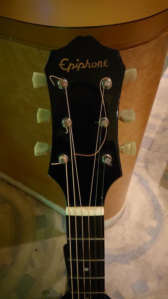 エピフォンEpiphoneアコースティックギター!AJ-45!合板トップでもええやん!気に入った音なら気にしないでしょ♪