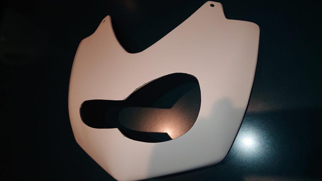 Ninja250R!ゼッケンカウルの加工でイメージチェンジ!塗装の前の下準備とか編